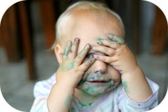 Bébé peinture arrondi